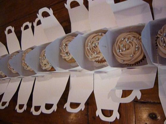 Silver Wedding Gift boxed Cupcakes