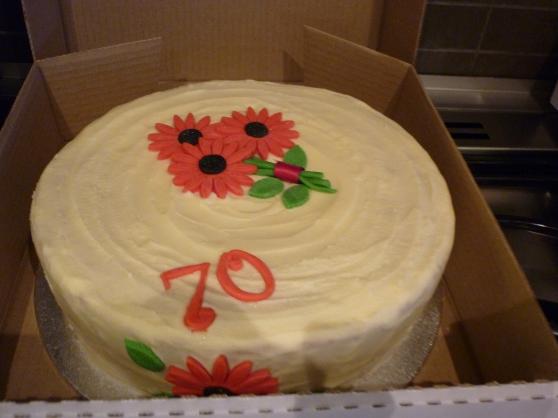 Beatiful Glitter Gerbera Cake
